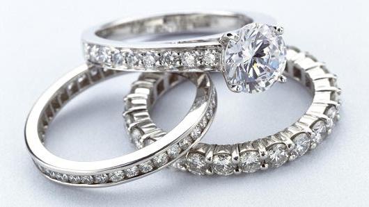 diamond rings sparkle